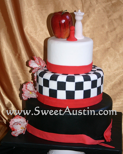 There are many Twilight Movie edible cake decorations available