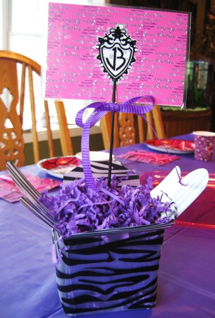I Recently Hosted A Jonas Brothers Theme Birthday Party For My Daughter This Created Custom Centerpieces The Table