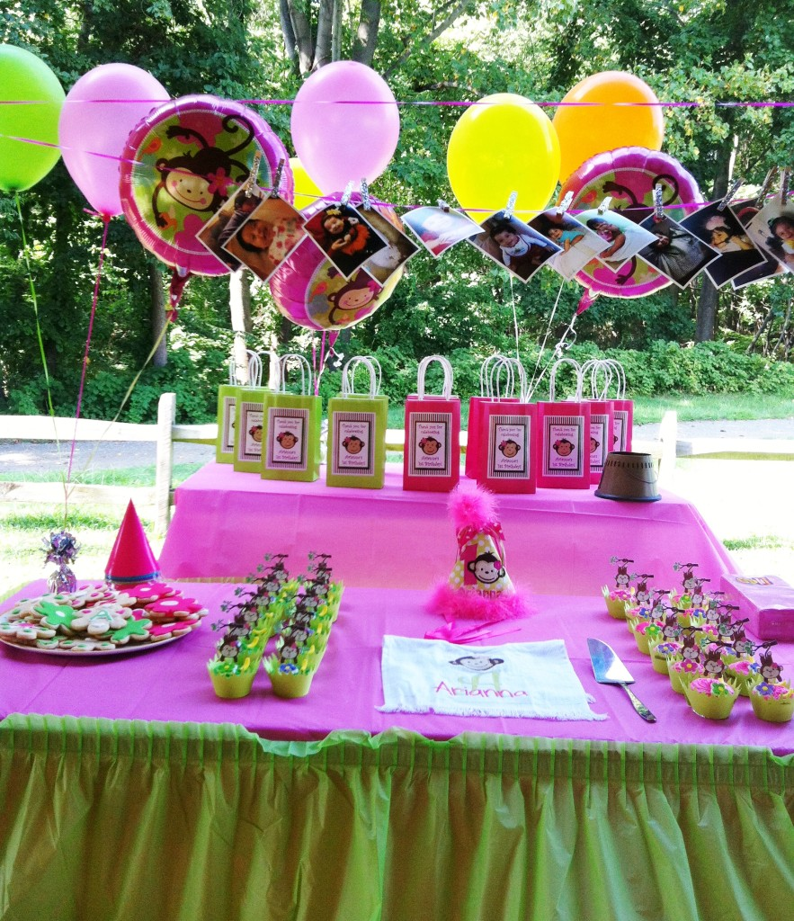 Arianna\'s Monkey Love 1st Birthday Party - Kids Birthday Parties